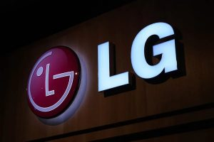 LG আনছে পাঞ্চ হোল ডিসপ্লে ও কোয়াড ক্যামেরাযুক্ত K92 5G