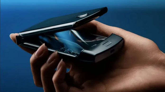 ভারতে লঞ্চ হল1,24,999 টাকা দামে Motorola স্মার্টফোন, জেনে নিন এর দামের কারণ